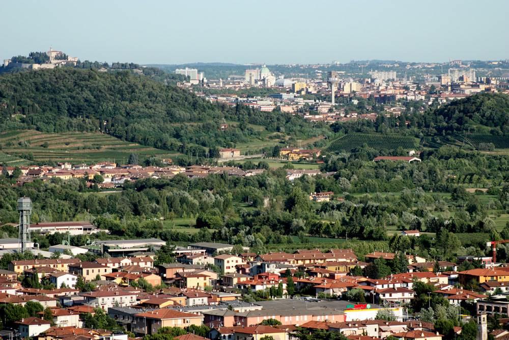 Gussago Santissima Torricella Brescia e castello luglio 2009
