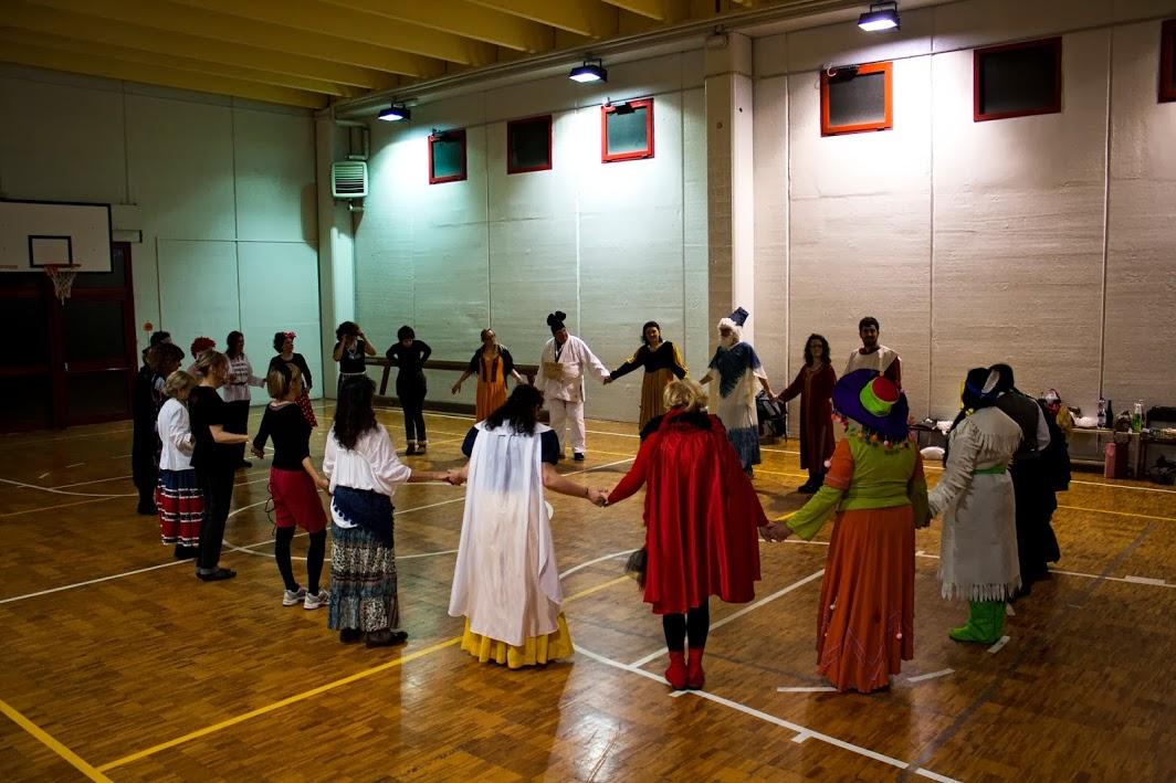 Danze folkloristiche
