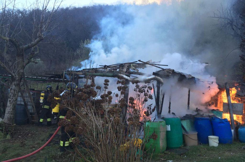 Incendio deposito attrezzi gennaio 2017