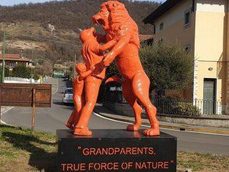 Statua Friso nonni Ronco marzo 2020