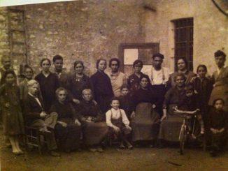 Fotografia cortile via Chiesa anni 40